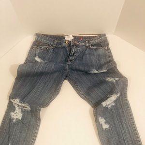 👁Sneak Peak Distressed Jeans
